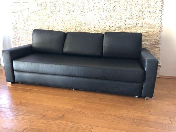 czarna sofa rozkładana