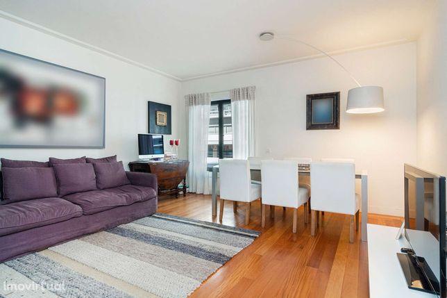 Apartamento T2 para arrendar, sem móveis na Estrela