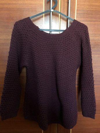 Camisola bordô em lã