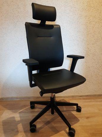 Fotel obrotowy do biurka Xenon 111SFL Profim