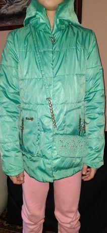 Куртка-ветровка на девочку размер 140