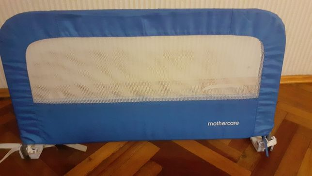 Продаётся защита для детской кроватки Mothercare