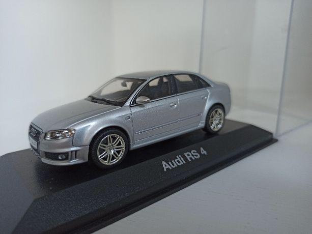 Model Audi RS4 Minichamps 1:43