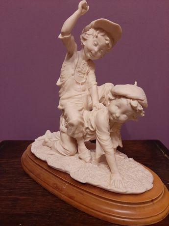 Giuseppe Armani figurka z serii Guliver's World - Chłopcy jazda konna