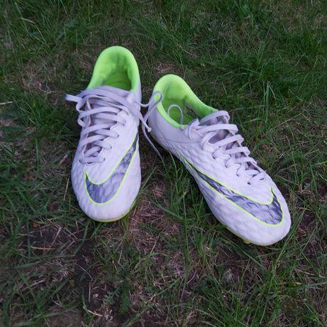 Korki firmy Nike rozmiar 38