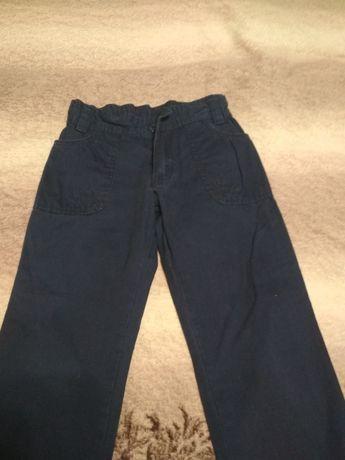 Джинсы брюки на мальчика 6-7 лет
