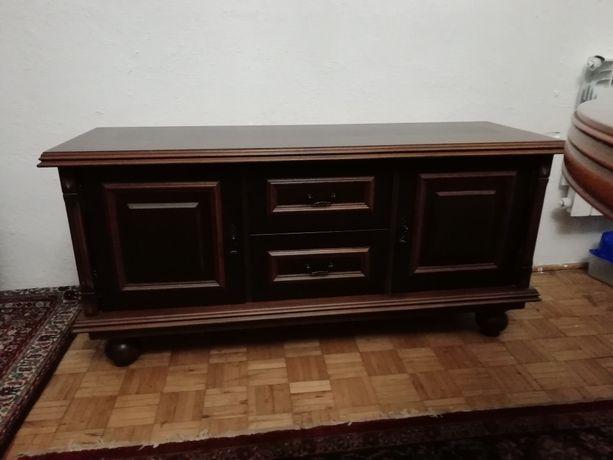 Piękna, solidna drewniana komoda wykonana na zamówienie przez stolarza