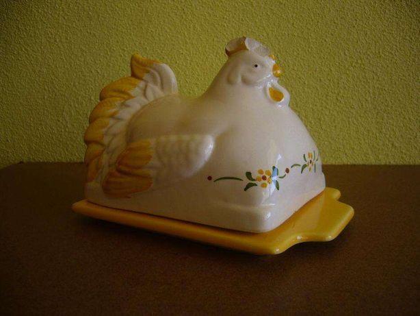Manteigueira galinha