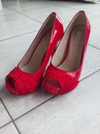 czerwone buty na obcasie 37