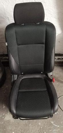Fotele i kanapa MITSUBISHI OUTLANDER III - półskóra - praktycznie nowe