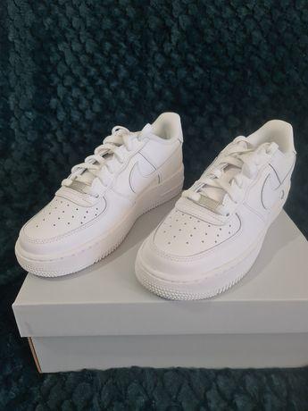 Ténis Nike Air Force 1 LE.