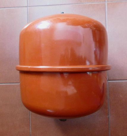 Naczynie przeponowe niemieckiej firmy REFLEX Winkelmann. 18 litrów.