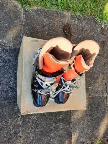 Stare buty narciarskie - kolekcjonerskie - nigdy nie używane.
