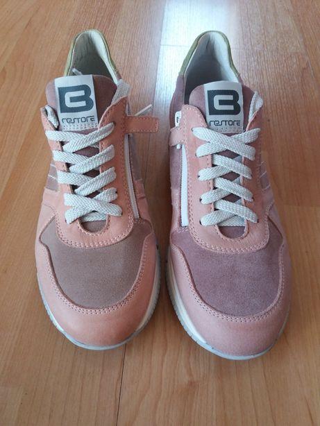 Skórzane buty, pudrowy róż
