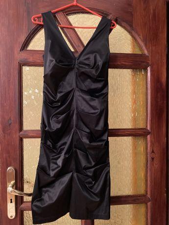 Sukienka czarna marszczona