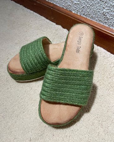 Sandálias verdes