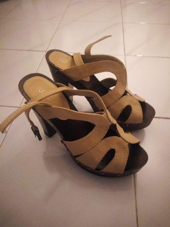 Sapatos de salto alto 38