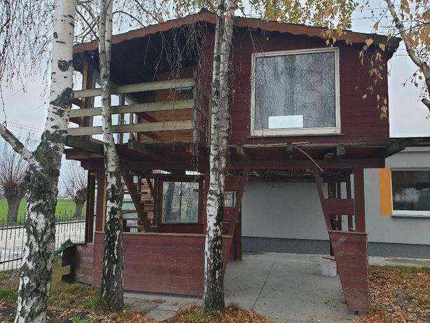Dom domek drewniany letniskowy altana na działkę POD ROD na drzewie