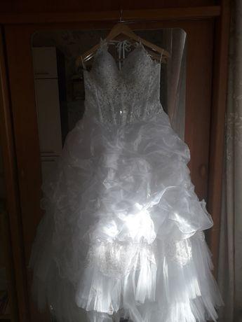 Свадебное платье, 5-ти ярусная фата, перчатки. Торг