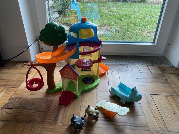 Bingo e Rolly Casa brinquedos e caes