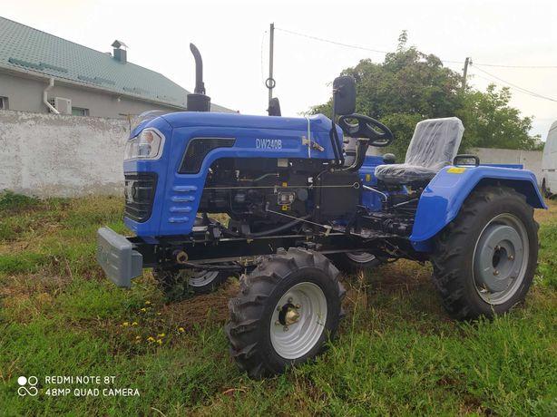 Мінітрактор-трактор DW-240B (24 к. с.)