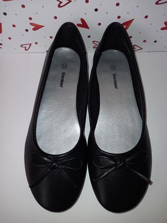Ченые туфли для девочки Graceland р.33