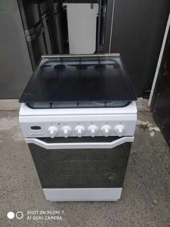 Kuchenka gazowo-elektryczna 50 cm Indesit, 2 letnia. Transport