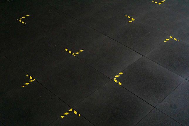 Placas - Pavimentos de Borracha . Alta densidade 1100x1100x10 Ginásios