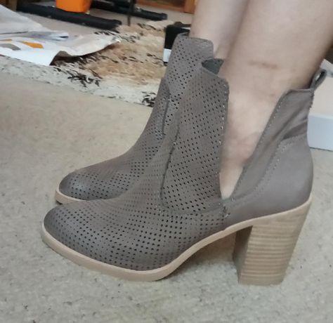 Dolce Vita шкіряні перфоровані черевики на всі сезони, нові.