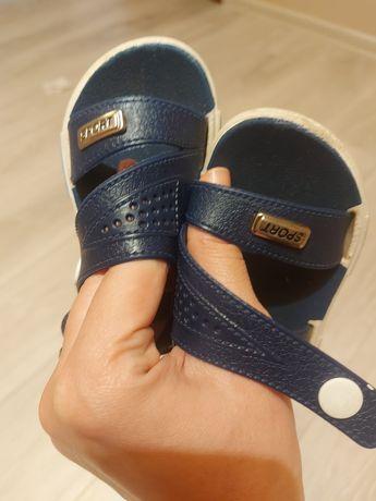 Гумові сандалі. Розмір 21-22.
