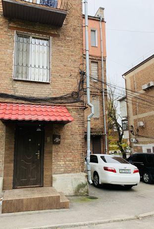 Сдам офис по адресу: проспект Соборный 84, кв 3.