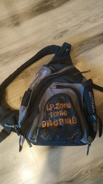 Стильный рюкзак, портфель.
