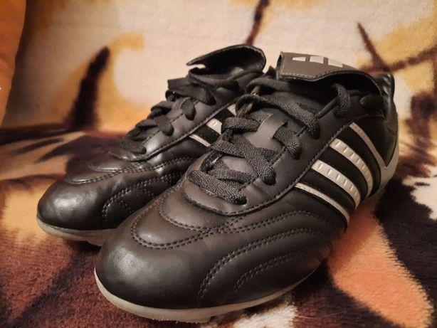 Продам оригинальные футбольные бутсы Адидас Adidas 36р