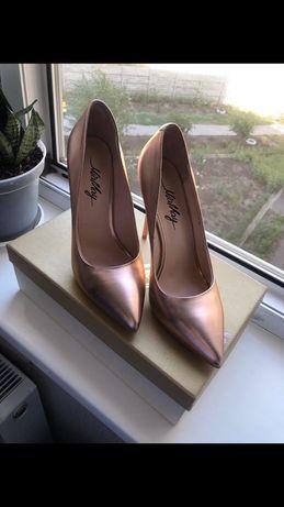 Продам класические туфли(кожа)