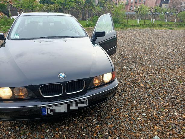 BMW E39 uszkodzony