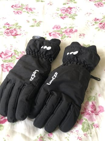 Czarne rękawiczki narciarskie