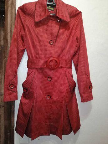 Плащ пальто красный женский весна осень 42 размер червоний жіночий