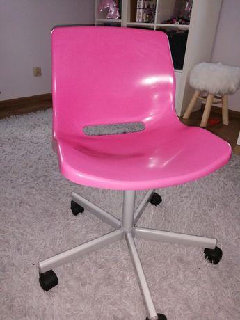 Krzeło Różowe Ikea