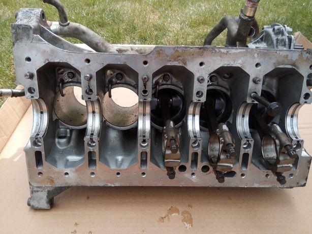 Blok silnika plus tłoki Volvo V70 S60 , D5 244T