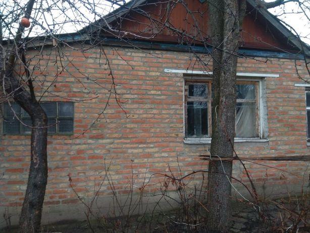 ХОЗЯИН! Продам небольшой дом 30м.кв. Есть газ,свет,вода. Цена 10 тыс.$