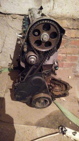 Двигатель Renault megan 1