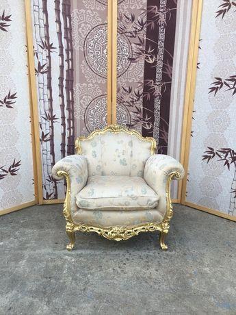 Кресла барокко после реставрации с Италии