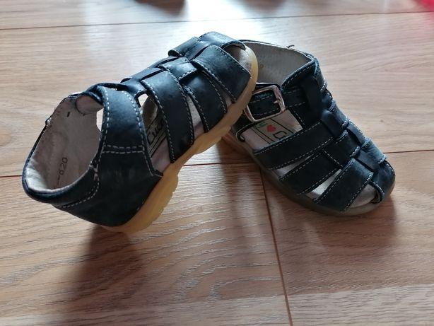 Sandałki rozm 20