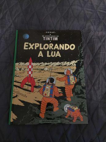 """Livro """"Tintin - Explorando a Lua"""""""