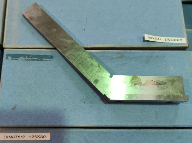 Kątownik ze stopką stalowy 135° 100X70mm