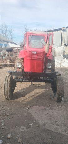 Продається трактор Т-40+плуг культиватор 2 прицепи