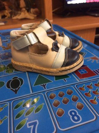 Дитячі сандалі (сандали)