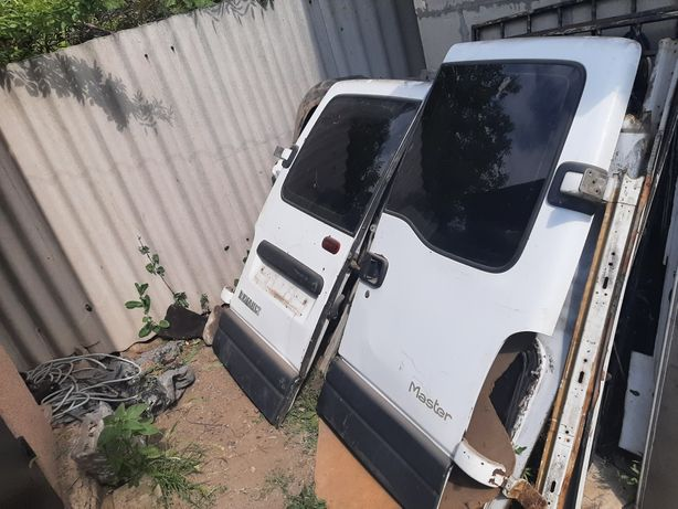 Двери Renault Master