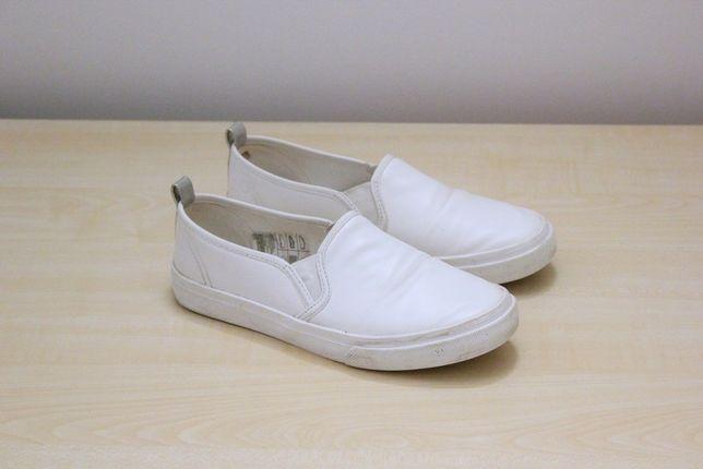 Białe buty eko skóra skóry h&m wsuwane slip on sportowe casual basic b
