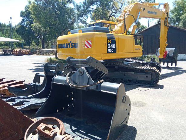 Escavadora Komatsu PC240 Engate 3 baldes Ripper Grifa Linha Martelo AC